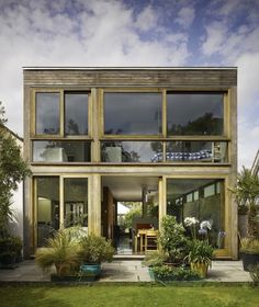 dublin-backyard-indoor-outdoor-garden-house-john-mclaughlin-gardenista.