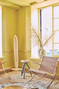 This yellow room aesthetic features Citrona yellow paint, from the new Kelly Wearstler Farrow and Ball paint collection, drawing inspiration from California's sunny yellow lemon trees. This California-inspired color palette is comprised of the perfect paint colors for living spaces, whether monochromatic or combined color combinations. Tap the pin to view more paint color ideas, whether you are looking for a colorful living room, accent wall paint or color schemes for the bedroom. Farrow Ball, Farrow And Ball Paint, Interior Walls, Interior And Exterior, Wimborne White, Studio Green, California, Outdoor Chairs, Outdoor Decor