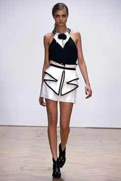 Sfilata Sass & Bide London - Collezioni Primavera Estate 2013 - Vogue