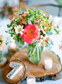 flowers by Holly Chapple Flowers - http://thefullbouquetblog.com/ photo by Julie Massie