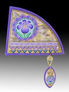 http://www.beadunique.com/default.htm  Artist Barbara Sperling    purpleiris.jpg (400×535)