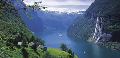 The Geirangerfjord and the waterfall De syv søstrene (the Seven Sisters), Norway - Photo: Per Eide