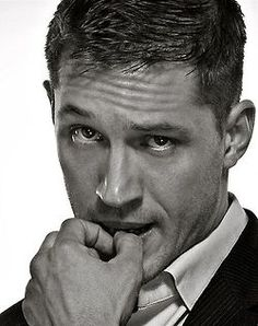My Tom Hardy Addiction Look At You, How To Look Better, Pretty People, Beautiful People, Toms, Foto Portrait, Hommes Sexy, Karl Urban, Sensual