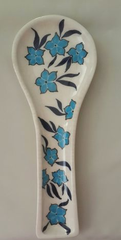 Nurcan Kara-Çini Kaşıklık Ceramic Spoons, Ceramic Art, China Painting, Spoon Rest, Blue And White, Pottery, Clay, Hand Painted, Ceramics