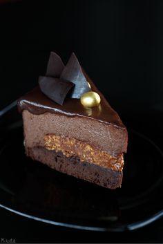 Шоколадный торт-мусс с миндальным пралине / Torta mousse de chocolate com praliné de amêndoa