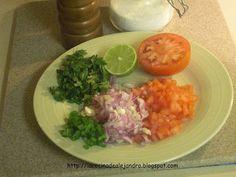 Aquí van 3 salsas tradicionales de la cocina mexicana, le digo que hay un variedad increíble, pero considerando las circunstancias, estas la...