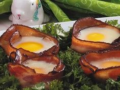 We don't think we have to explain why using bacon as a cup for eggs is a delicious idea in the Bacon and Egg Bundles recipe. Also, check out more ways to use bacon in all of your meals—even dessert. Bacon Recipes, New Recipes, Cooking Recipes, Favorite Recipes, Healthy Recipes, Simple Recipes, Yummy Recipes, Dinner Recipes, Easter