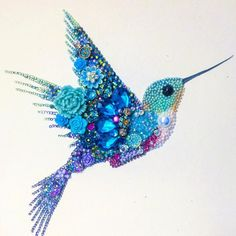 Vintage Jewelry Art Sparkling Hummingbird button art framed wall hanging made to Vintage Jewelry Crafts, Recycled Jewelry, Old Jewelry, Jewelry Art, Jewelry Making, Bead Crafts, Arts And Crafts, Art Encadrée, Art Perle