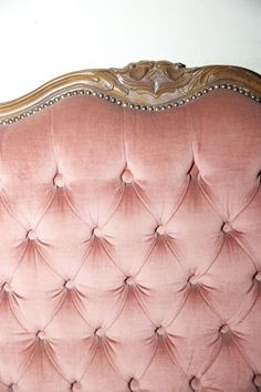 Gorgeous blush pink and gold trim buttoned velvet headboard. Perfect for a grown up little girls bedroom! Pink Bedroom Walls, Blush Bedroom, Pink Bedroom For Girls, Pink Bedrooms, Master Bedroom, Santa Lucia, Funny Valentine, Teen Pink, Rose Bonbon