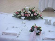 Wedding venue fresh flower decorations. Destination weddings, experienced wedding planners. Odyssey weddings: we plan your dream wedding!