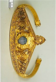 Ancient Greek diadem found in Ukraine ca 450 BC