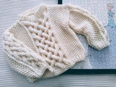 Un Suéter para Niño o Niña, Tutorial Gratis. – TEJIDOS KIRIKIRI Knitting For Kids, Baby Knitting Patterns, Knitting Designs, Baby Sweaters, Crochet Projects, Knitted Hats, Elsa, Men Sweater, Pullover