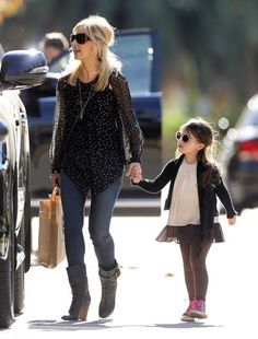 Charlotte Prinze Photos: Sarah Michelle Gellar Spends the Day with Her Daughter