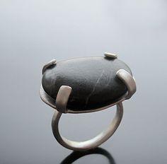 Black Pebble Ring - Handmade jewelry, Χειροποίητο κόσμημα by Maria Apostolou Rock Jewelry, Stone Jewelry, Metal Jewelry, Jewelry Art, Sterling Silver Jewelry, Jewelry Rings, Jewellery Box, Silver Earrings, Jewelry Accessories