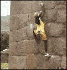 Wall climbing like a boss! Parkour, We The People, Good People, Black People, Amazing People, Sexy Teenager, Les Gifs, College Humor, Awesome
