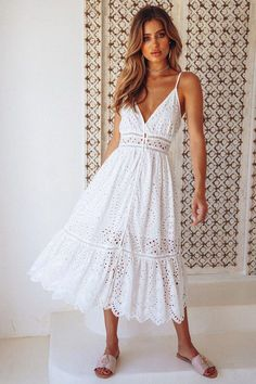 We're all loved up on lace after seeing our Fight The Feeling Midi Dress! This style buttons on the front, has adjustable shoulder straps and it has decorative cut outs on the bust and skirt. Floaty Dress, White Midi Dress, Boho Dress, Dress Skirt, White Maxi, Elegant Dresses, Vintage Dresses, Casual Dresses, Short Dresses