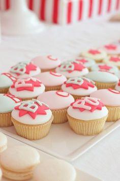 amazing comic inspired cupcakes #pinhonest