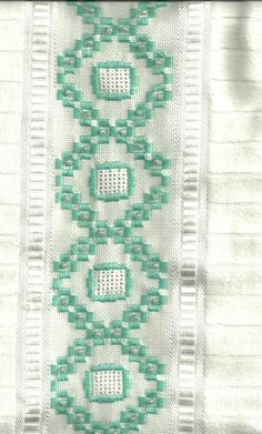 Katiahagge: Fevereiro 2011 Drawn Thread, Cross Stitch Borders, Bargello, Needful Things, Ribbon Embroidery, Handicraft, Needlepoint, Ravelry, Needlework