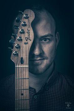 Formlos für das neue Album. Leadgitarrist.  #liebefotos #shooting #harz #göttingen #portrait #photoshop #lightroom #people #band #formlos #wernigerode #guitar #gitarre #rocknroll #rockband #adobe #picoftheday #photooftheday #dark #malemodel #male #rockmusik http://www.liebefotos.eu