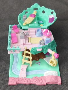 Polly Pocket I have this one!