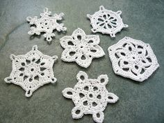 great crochet snowflakes  (I inherited xmas tree ornaments like this from my Slovakian great-grandmother who made them sometime in the U.S. before she died in the '30's.  Fun to see them online)