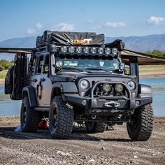 Full of everything you need for camping and going offroad. Jeep Wrangler Camper, Jeep Wrangler Rubicon, Jeep 4x4, Jeep Jk Unlimited, Jeep Lights, Hors Route, Jeep Baby, Badass Jeep, Jeep Wrangler Accessories
