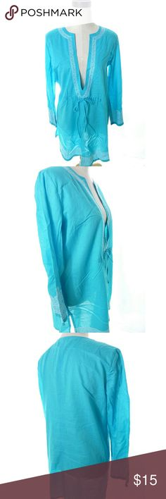 "Blue Beach Coverup Dress Lightweight slightly oversized beach cover dress deep v neck tag size S armpit to armpit is 21"" across when flat shoulder to hem is 33"" Nice used condition  wt3357 Tropical Escape Swim Coverups"