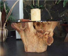 Mesa cristal con tronco de arbol
