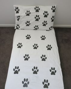 Paw Print fitted sheet by AliJoyKids on Etsy Bed Sheets, Bedding, Quilts, Blanket, Room, Etsy, Bedroom, Quilt Sets, Quilt