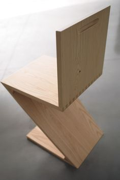 Bauhaus 2 Your House - Gerrit Rietveld Zig Zag Chair | Bauhaus 2 Your House