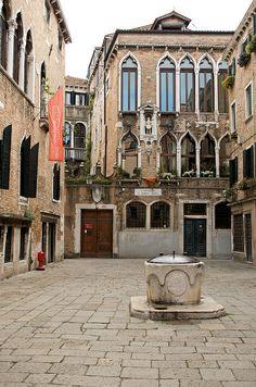 Campiello di Santa Maria Nova , Venice , Italy