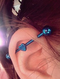 Check out Industrial Piercing photo gallery on Piercing Easily to see a variety of examples. Get advice from our experts on safe piercing. Piercings Bonitos, Piercing Tattoo, Body Piercing, Body Jewelry, Fine Jewelry, Jewlery, Industrial Piercing Jewelry, Industrial Barbell, Industrial Earrings