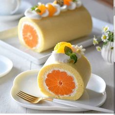 Orange Swiss Roll Cake Recipe This light and airy Swiss Roll filled with a delicious fresh cream filling and whole juicy oranges. Orange Dessert, Cake Recipes, Dessert Recipes, Fancy Desserts, Easter Desserts, Macaroons, Creative Food, Cooking Recipes, Yummy Food