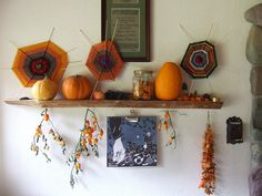 i love the idea of creating a mantle that changes with the seasons. we even have the perfect spot on our wall for one.
