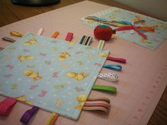 melissa sews: A Beginner's Sewing Tutorial: Baby Taggy Ribbon Blanket