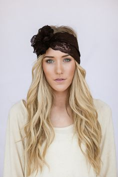 Wide Lace Headband with Flower for Women Brown por ThreeBirdNest
