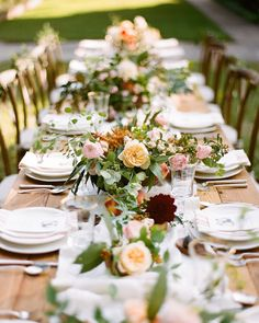 """How beautiful is this table from our #SWV7 Seasons of the South editorial? As well as perfectly peachy wedding inspiration, these colors and textures…"""
