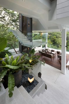 Spectacular Home Featured on Crazy Rich Asians with Amazing Forest Views! - Smart House - Ideas of Smart House - Open spaces combined with smart private zones at the Be-Landa House Dream Home Design, Modern House Design, Design My House, Modern Tropical House, Tropical Homes, Tropical House Design, Tropical Interior, Villa Design, Design Exterior