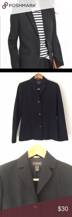 LIKE NEW Banana Republic stretch wool blazer This jacket is in excellent condition! It is a charcoal color with a hint of navy. The lining is navy. Made in Italy. 96% wool 4% Lycra. Dry clean. 18 1/2 inches across the bust. 16 1/2 across the waist. 19 inches across the hips. 18 1/2 inch arm length. 27 inch jacket length. Non-smoking pet free home.                                          🔹suggested user • fast shipper🔹                      🔸bundle to save 15%🔸 Banana Republic Jackets…