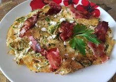 Cukkinis omlett Jamie Oliver, Vegetable Pizza, Quiche, Bacon, Vegetables, Breakfast, Food, Morning Coffee, Essen