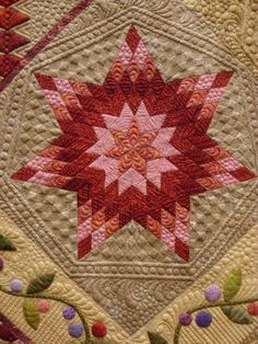 close up, Star Berries by Gail Stepanek, quilted by Ronda Beyer. 2013 Shipshewana Quilt Festival. Photo by Fabric Therapy: