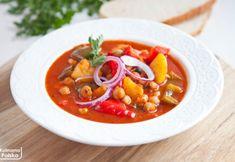 Bogracz bez mięsa. Wychodzi równie pyszny. Przepis wegański Wok, Mozzarella, Thai Red Curry, Ethnic Recipes, Diet, Woks