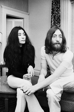 "John & Yoko.......GREAT PICTURE OF ""JOHN "" AND YOKO"