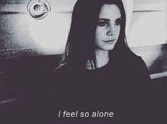 أشعر أني جد وحيدة ..