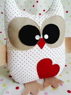 Monster & Animals – Owl Owls Toy Cuddly Pillow Owl Pillow – a unique product by on DaWanda Cute Pillows, Diy Pillows, Decorative Pillows, Cushions, Throw Pillows, Fabric Toys, Fabric Crafts, Owl Crafts, Diy And Crafts