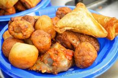 For the love of #smallchops or is it too early  #Fingerfoods a.k.a #smallchops (if you're Nigerian): @abeescocktailschops✔️ #LoveweddingsNG