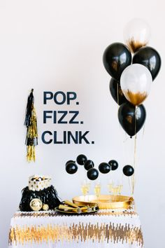 Every #NYE party needs a champagne bar! Click to get more party ideas and to download the Pop.Fizz.Clink banner for your party!