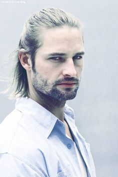 What about Josh Holloway as Geralt, if there were to be a movie? Josh Holloway, Matthew Fox, Johnny Depp, Gorgeous Eyes, Beautiful Men, Leonardo Dicaprio, Joshua Lee, Barbara Ann, The Witcher 3