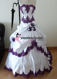 Discount Gothic Purple And White Wedding Dresses 2018 Strapless Beads Appliqued Bodice Hand Made Rose Flowers A Line Beautiful Bridal Gowns Wholesale Wedding Dress Patterns Wedding Party Dresses From &Price; Wholesale Wedding Dresses, Bridesmaid Dresses Online, White Wedding Dresses, Wedding Party Dresses, Purple Wedding, Wedding Parties, Lace Wedding, Bling Wedding, Wedding White