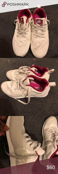 on sale 2b7d5 00747 Nike MD Runner I ve never worn these. I got them for a Christmas present  from a friend and they didn t keep the receipt and they don t fit me Nike  Shoes ...
